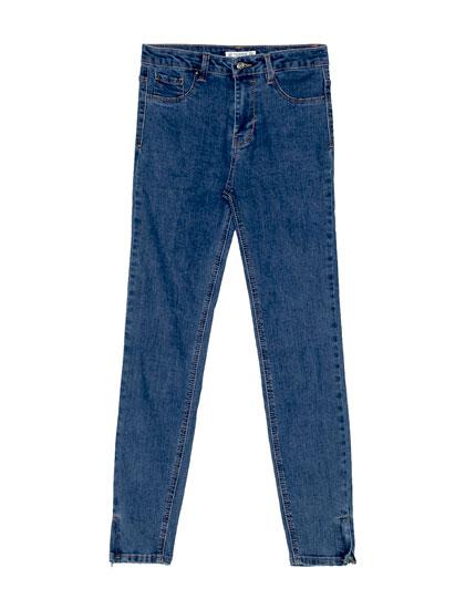 Jeans skinny fit tiro medio