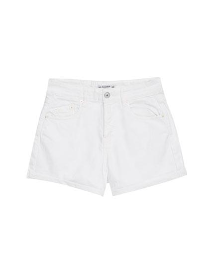 Shorts with turn-up hem