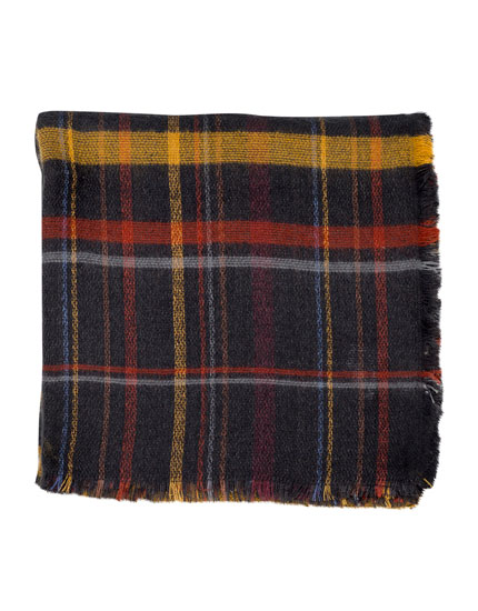 Checked scarf with grey background