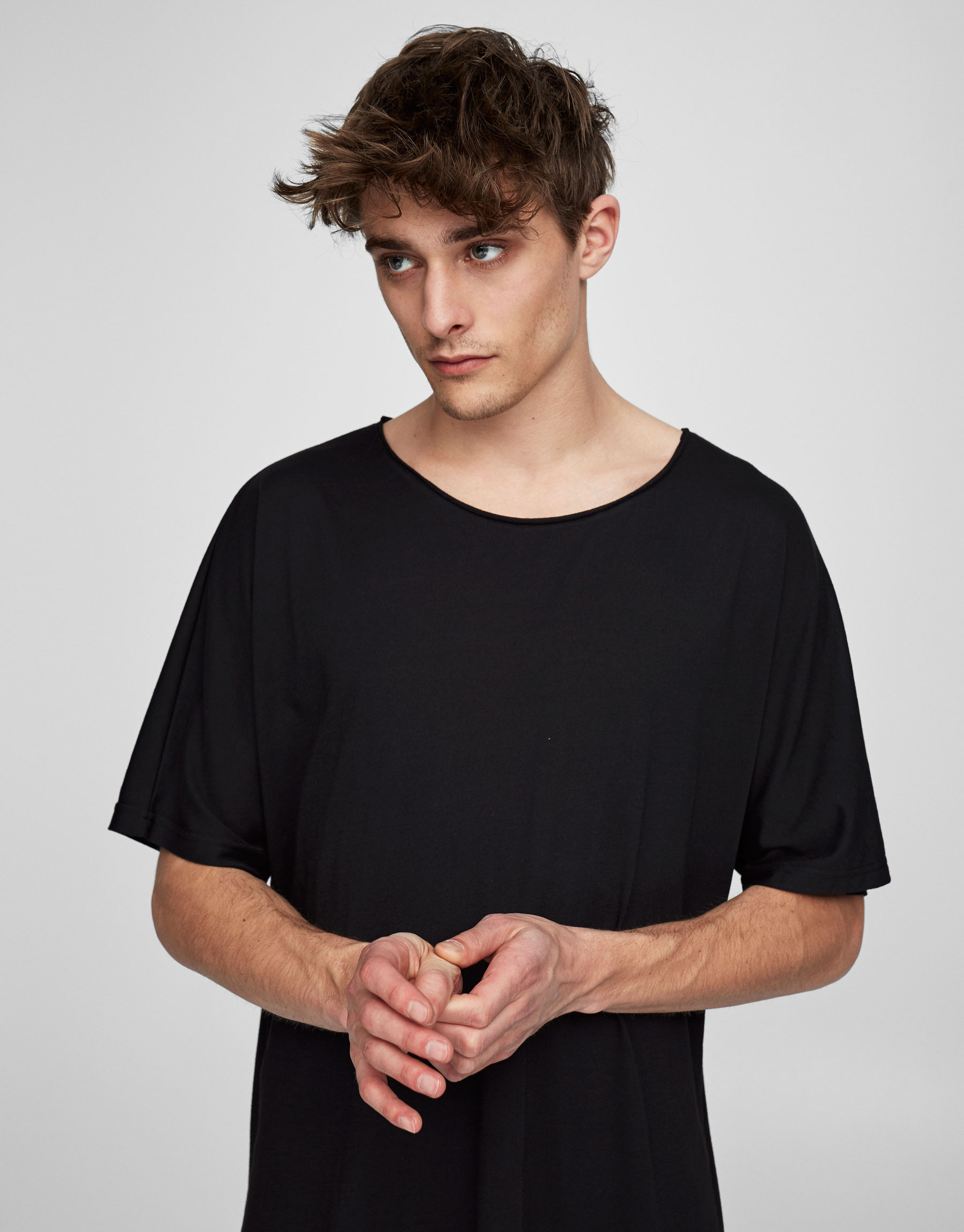 Seamless sleeve T-shirt