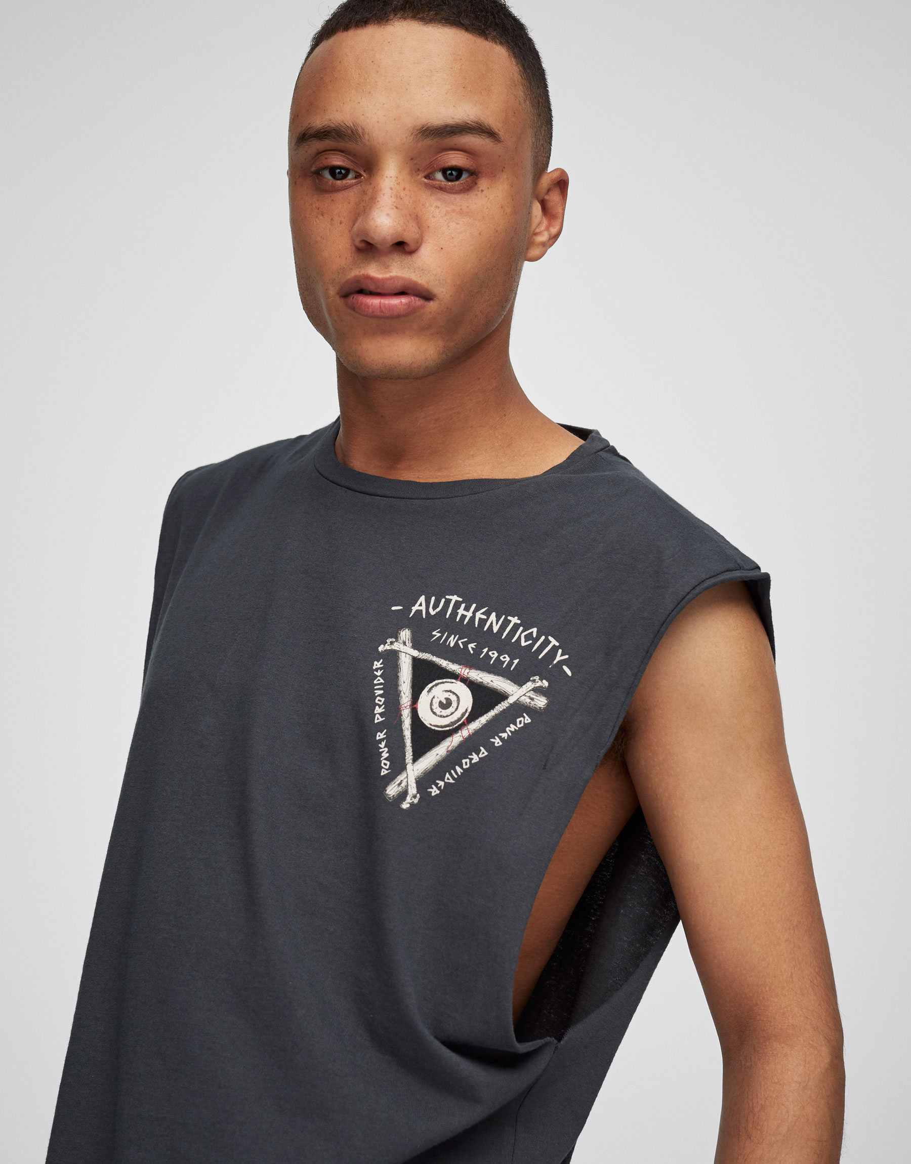 Sleeveless darkmental t-shirt