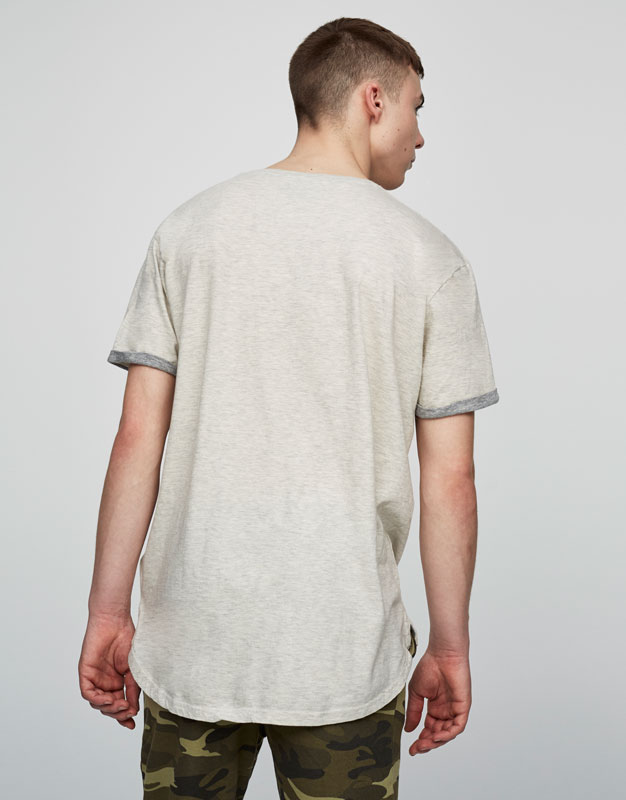 T-shirt with contrast pocket and sleeves