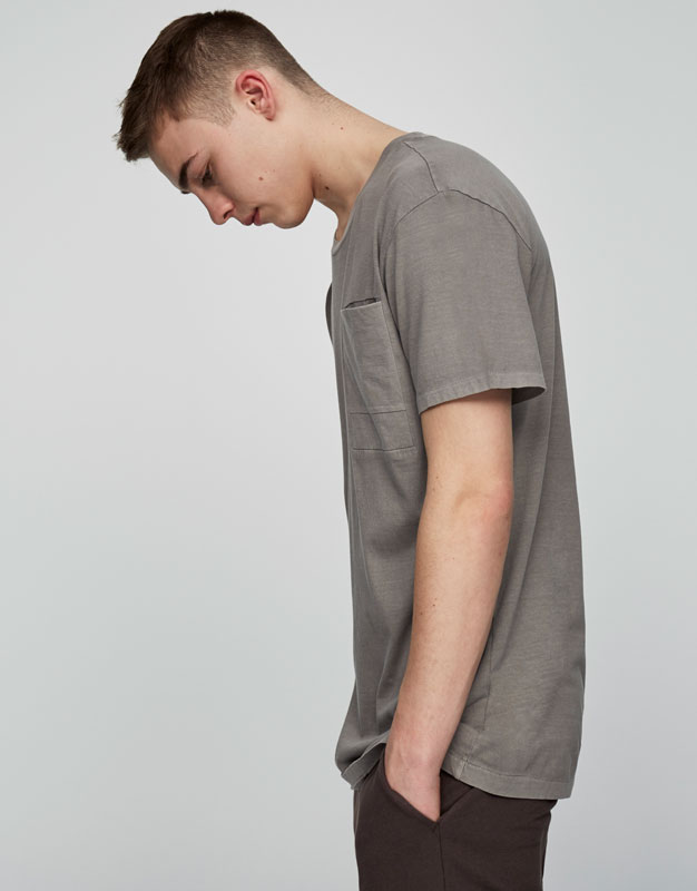 T-shirt with breast pocket