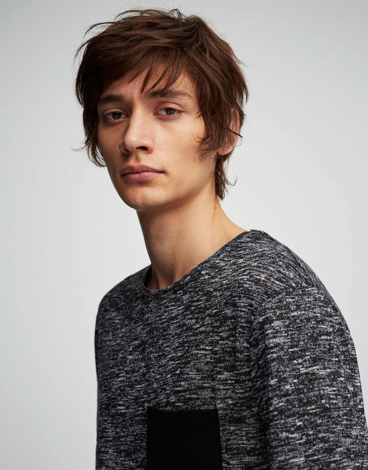 Textured weave T-shirt with black pocket