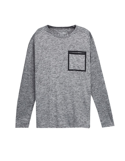 Technical T-shirt with contrasting pocket