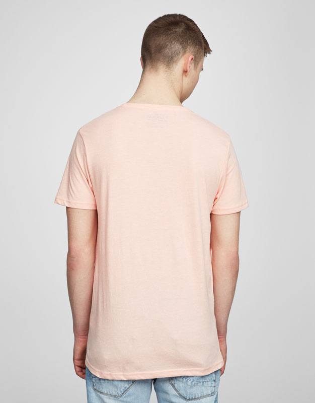 Basic v-neck t-shirt