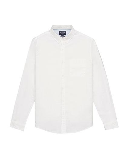 Camisa básica oxford