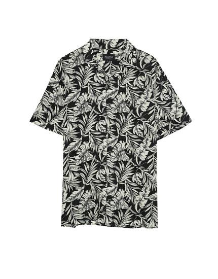 Leaf print short sleeve shirt