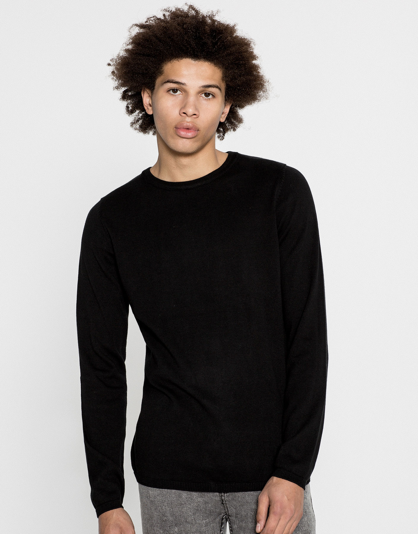 Basic round-neck jumper