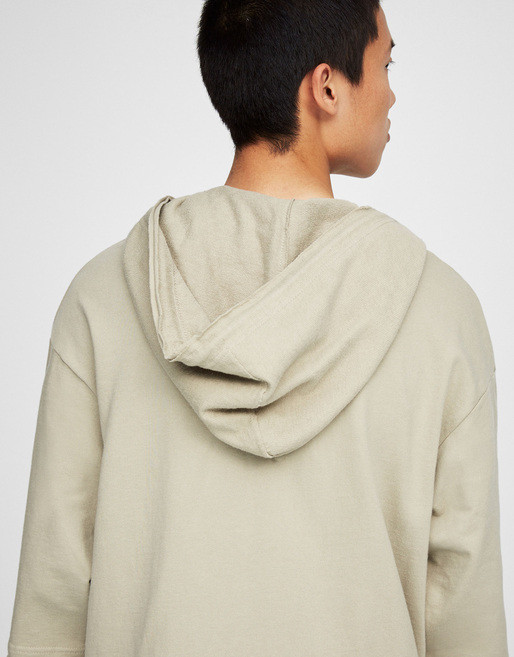 Hooded sweatshirt with 3/4 length sleeves