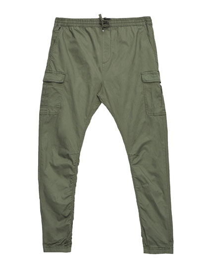 Baggy fit trousers with pockets