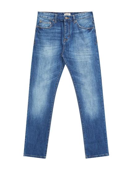 Blaue Regular-Fit-Jeans