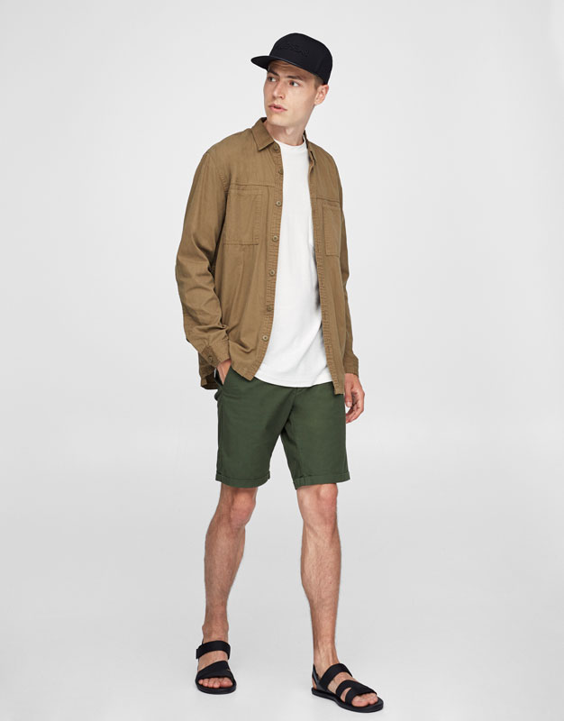 Basic textured weave Bermuda shorts