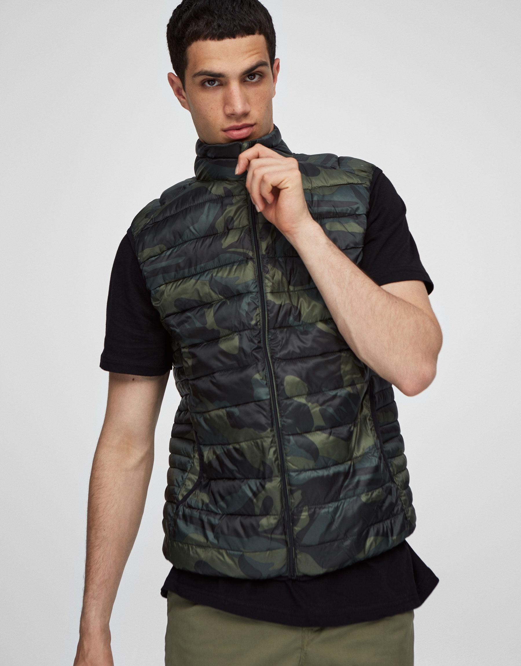 Lightweight camouflage puffer waistcoat