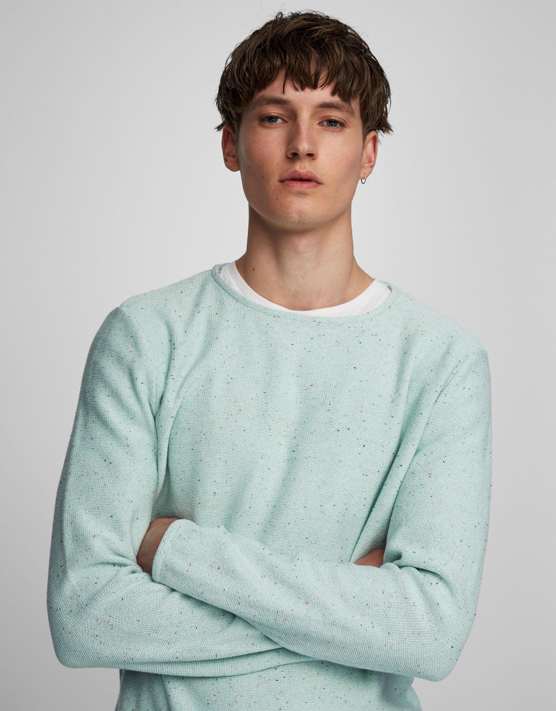 Fine round neck sweater