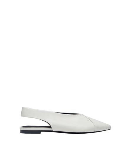 Zapato punta destalonado