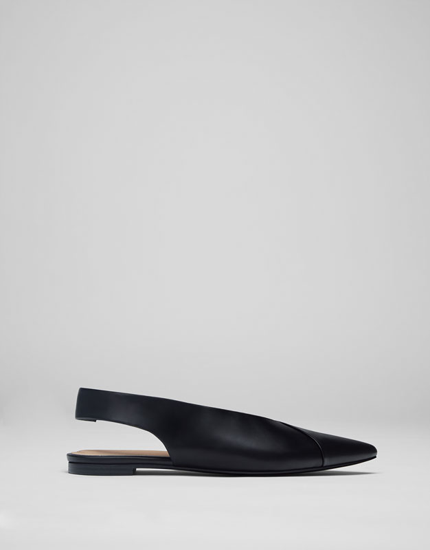 Pointed slingback shoes