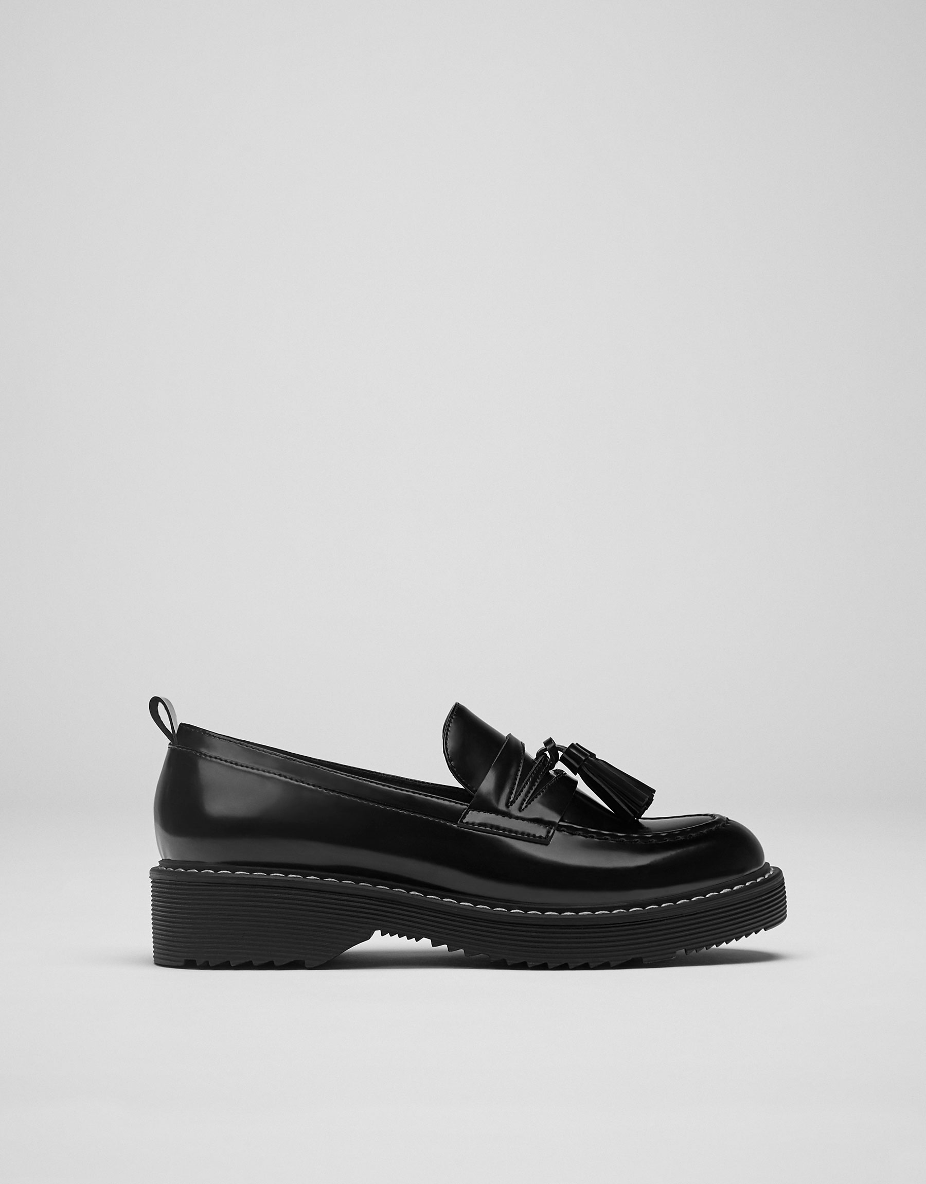 Tassel vamp loafers