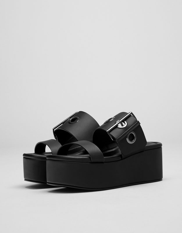Black wedges with buckle