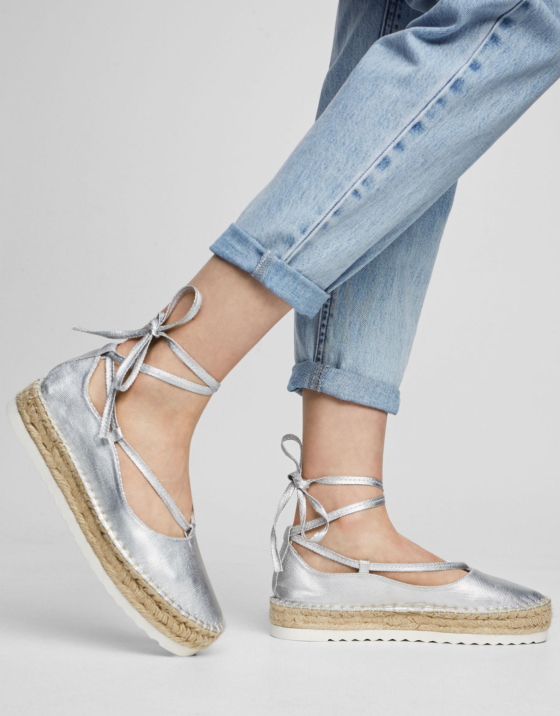 Jute-Schuh mit Schnürung