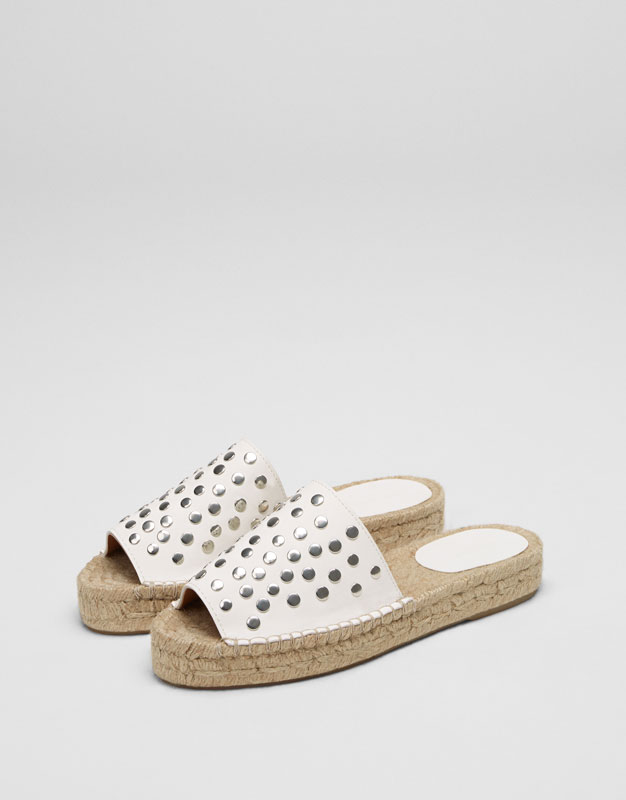 White jute sandals with studs