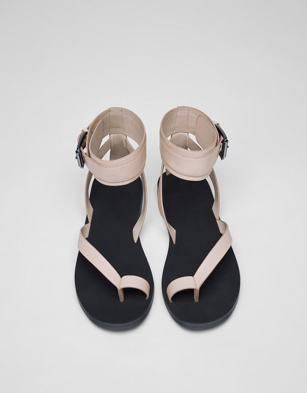 Fashion sandals with ankle strap