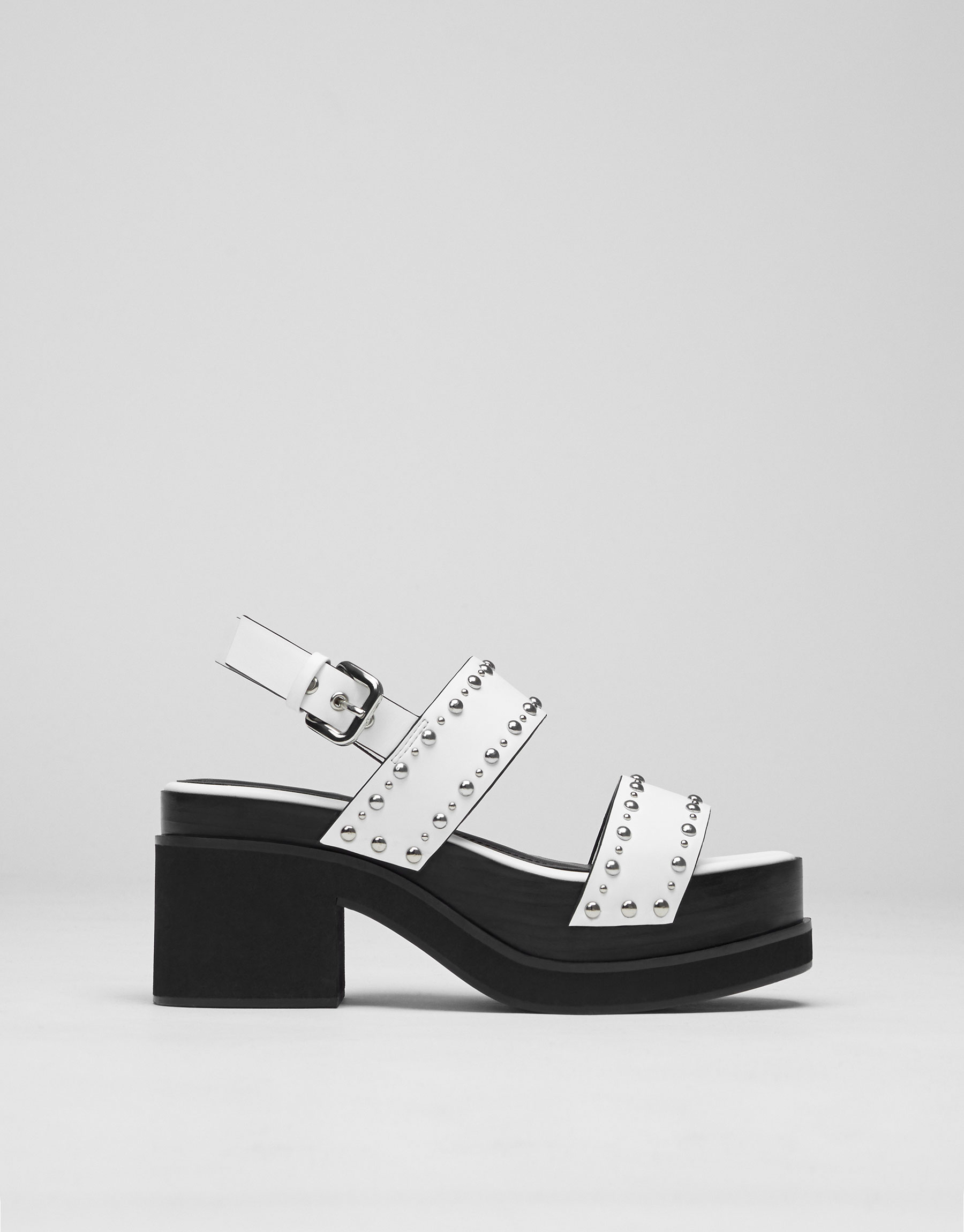 High heel fashion sandals with studs