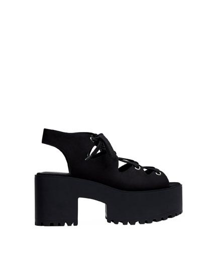 Fashion lace-up sandals