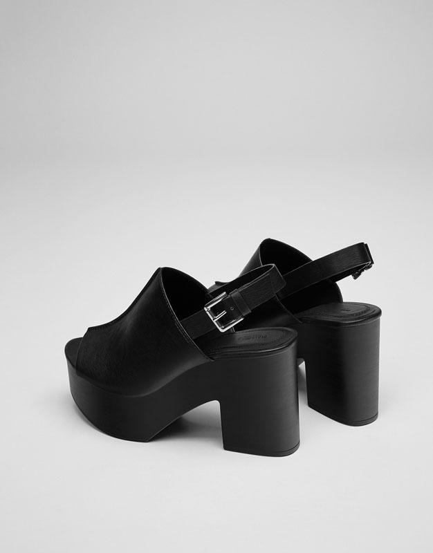 Sandale croisée plateforme