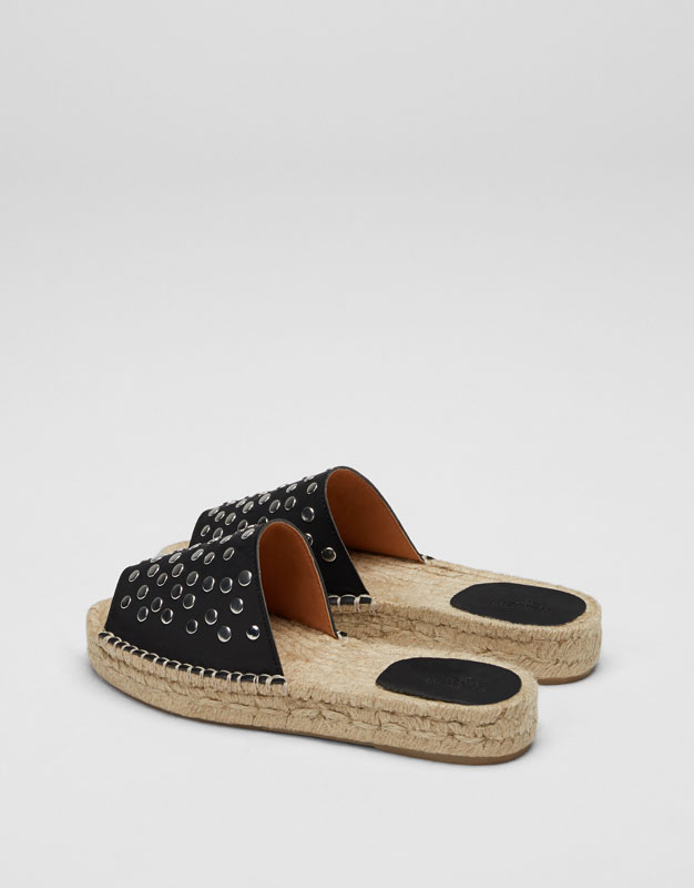 Black jute sandals with studs
