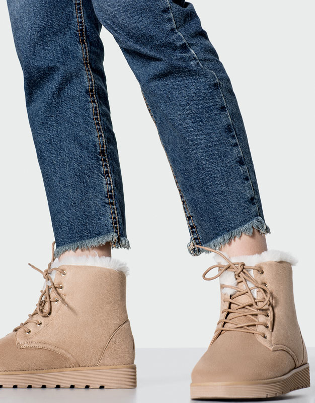 Lace-up winter ankle boots
