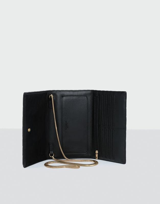 Mini chain crossbody bag