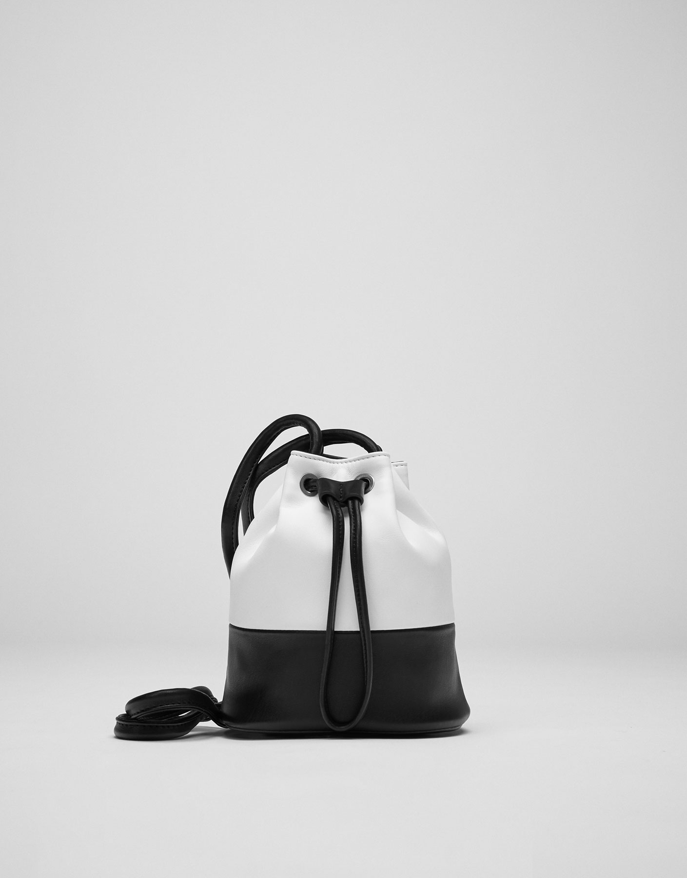 White two-tone bucket bag