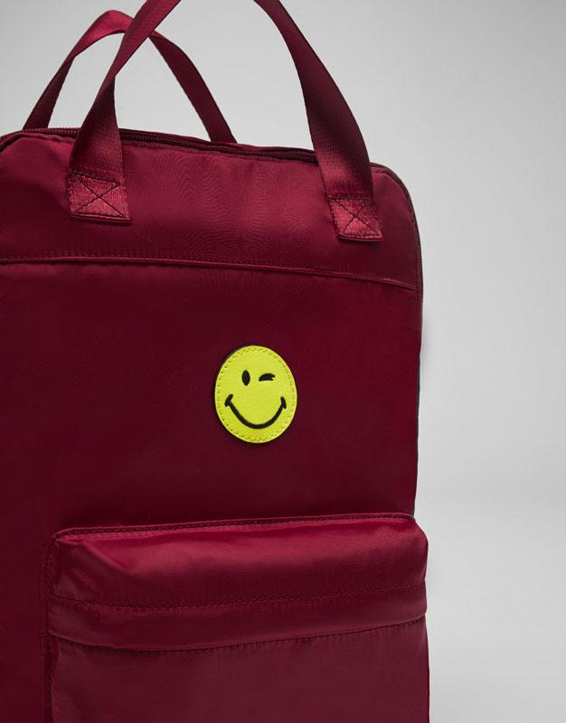 Stoffrucksack mit Smiley und Muster in Granatrot