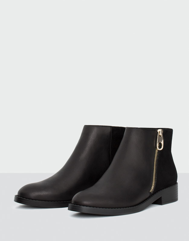 Ankle boots with zip