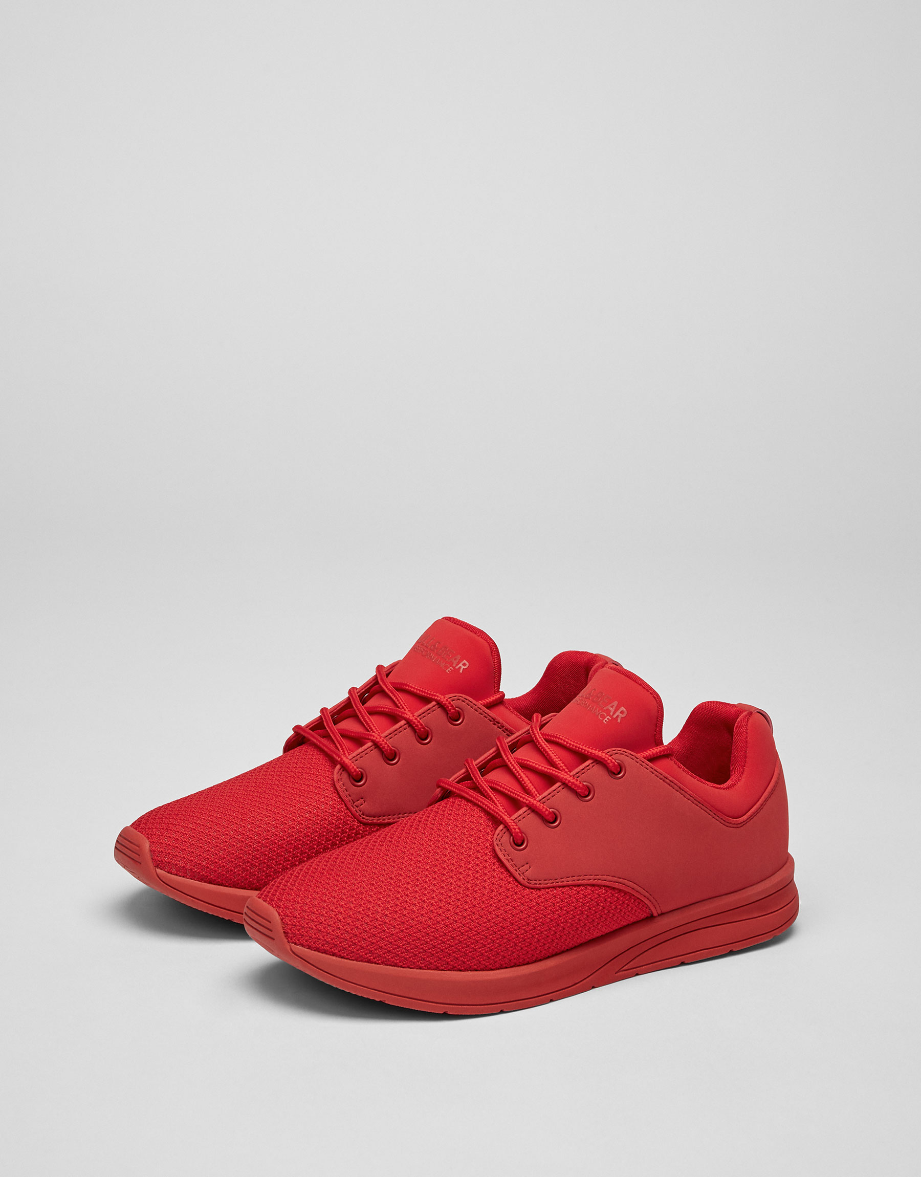 Single-coloured red soft sneakers