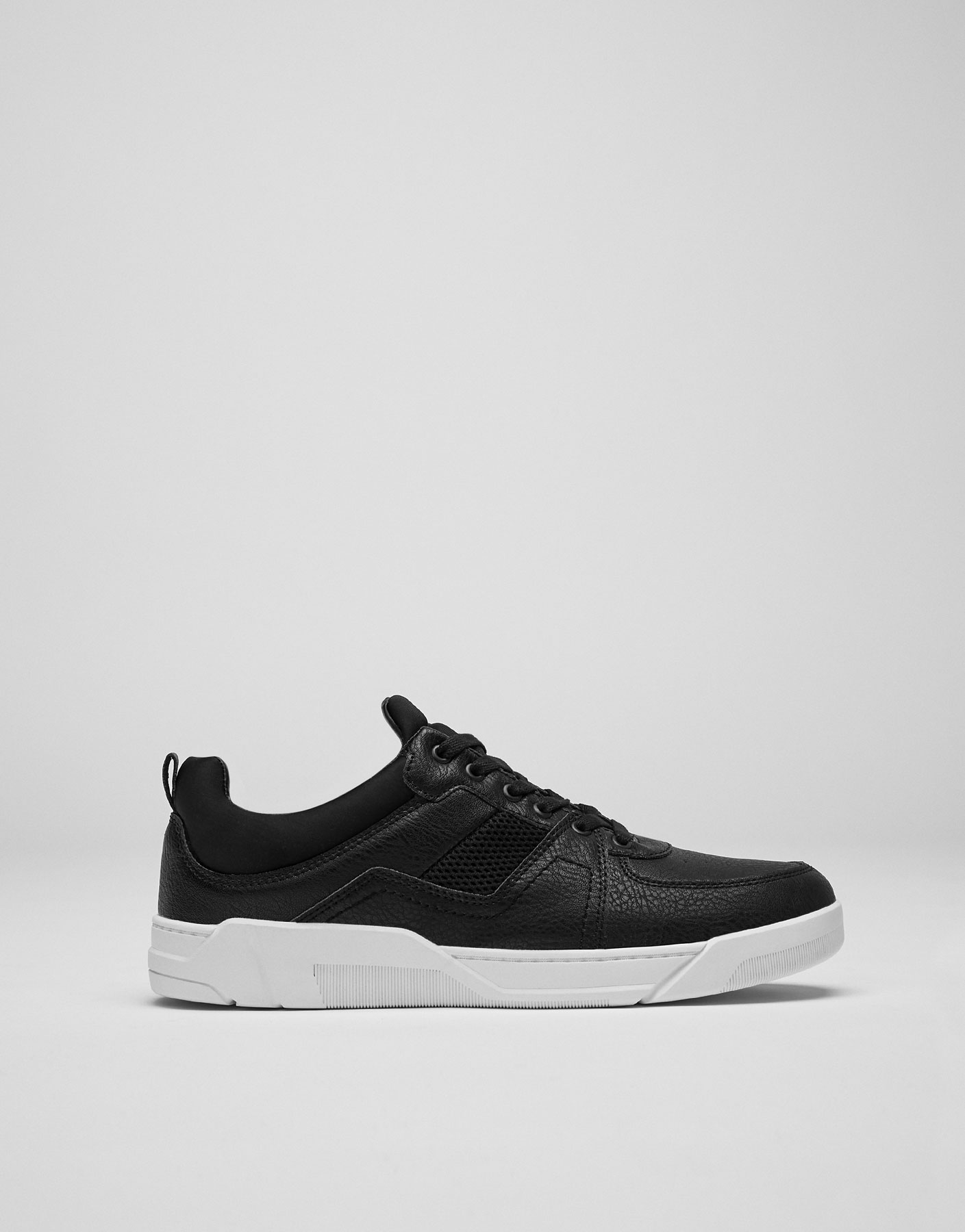 Black fashion plimsolls