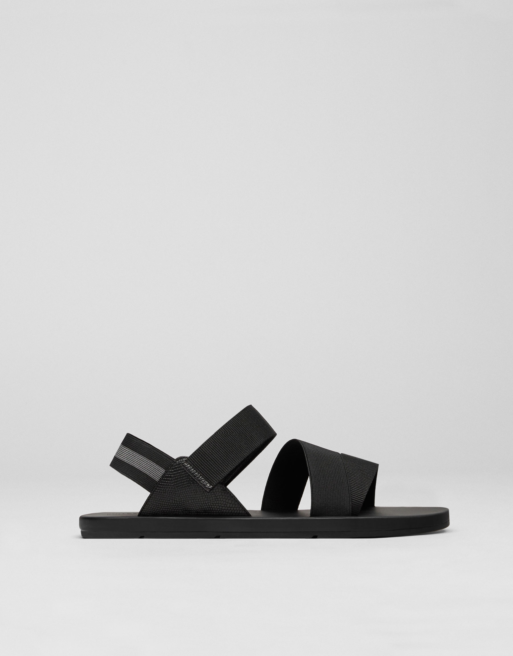 Athletic sandals with adjustable straps