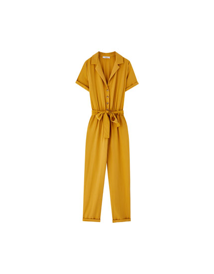 Worker jumpsuit with lapel collar