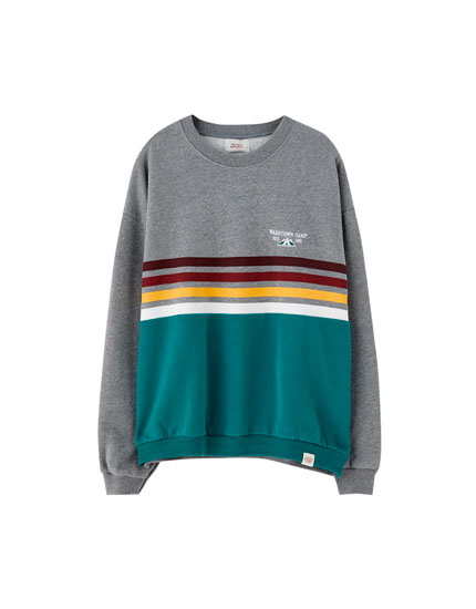 Surfer sweatshirt with front panel