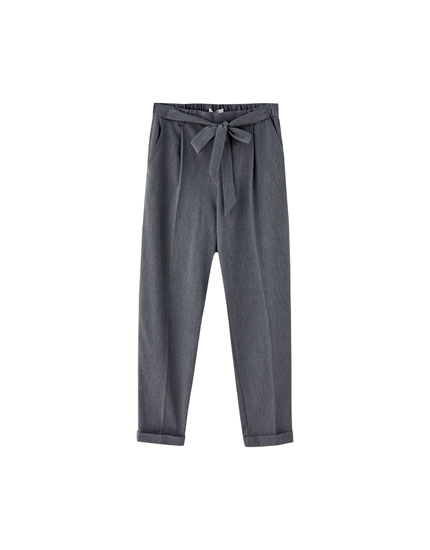 Jogging trousers with tied belt
