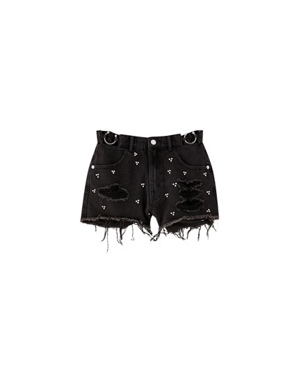 Mom fit denim shorts with metal rings