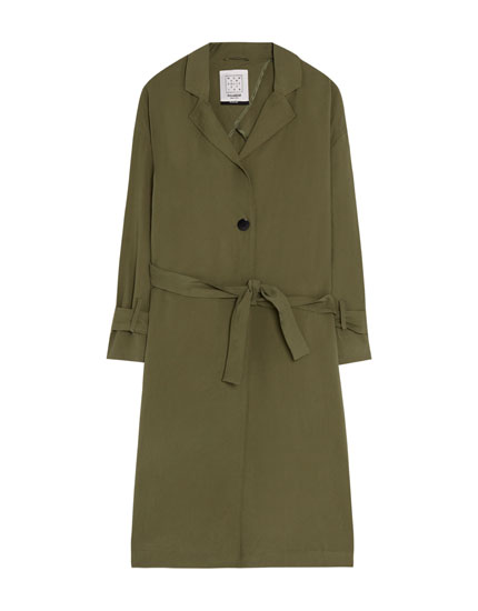 Lightweight parka with lapel collar
