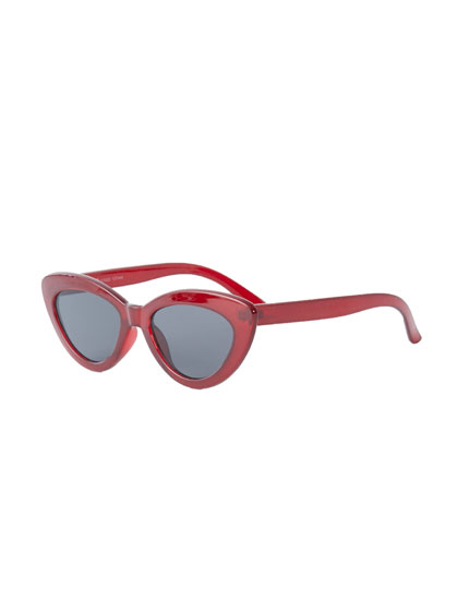 Maroon cateye sunglasses
