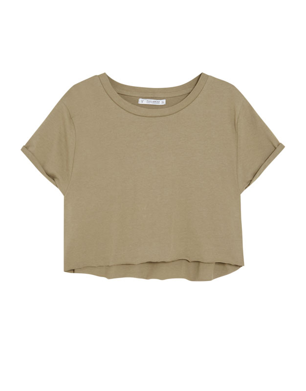 03d730c73b2476 KHAKI. Return. Cropped T-shirt with rolled-up sleeves