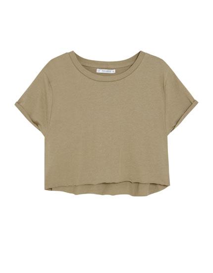 Cropped-Shirt mit hochgerollten Ärmeln