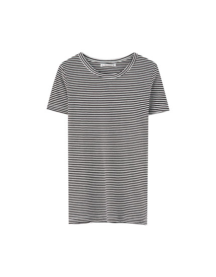 Basic wide ribbed T-shirt with stripes