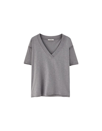 Slub knit V-neck T-shirt