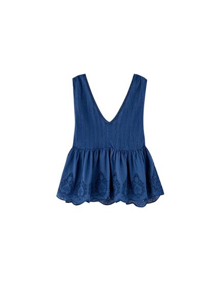 Top de peplum com bordados