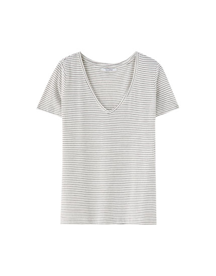 Basic striped V-neck T-shirt